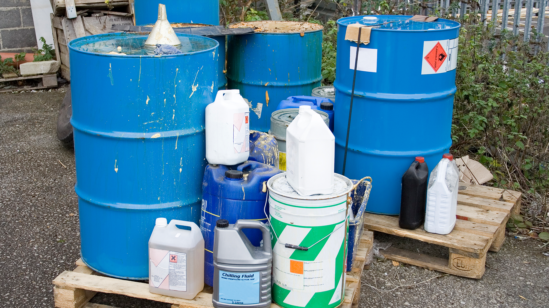 Hvem har ansvaret for deklarering av farlig avfall?